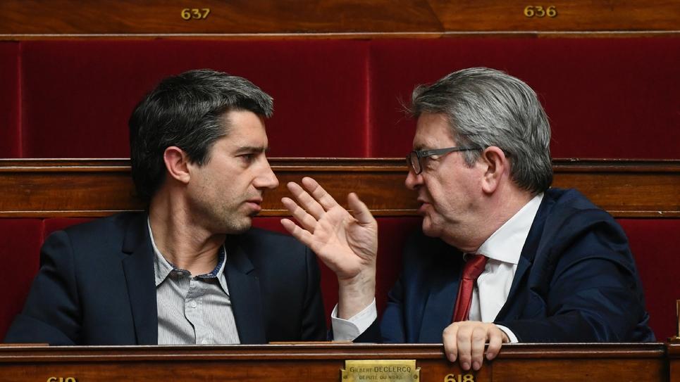 Le député LFI François Ruffin (G) et le chef de La France Insoumise, Jean-Luc Mélenchon (D), le 5 février 2019 sur les bancs de l'Assemblée nationale