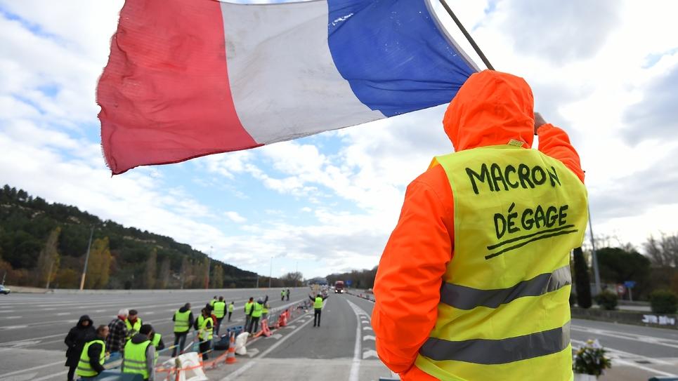"""Un """"gilet jaune"""" à un péage près de Marseille, le 9 décembre 2018"""