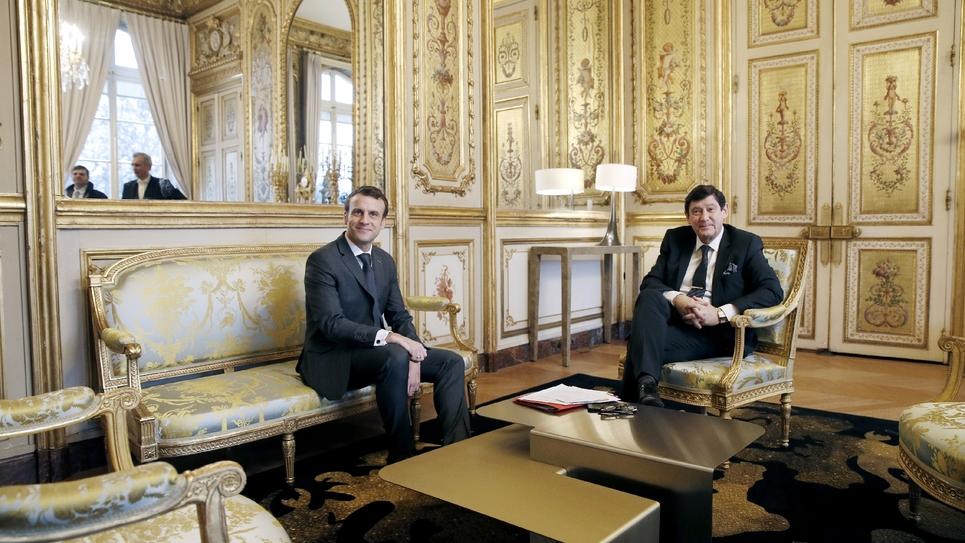 Le sénateur Patrick Kanner (PS) reçu par le président Emmanuel Macron (G), le 8 février 2019 à Paris