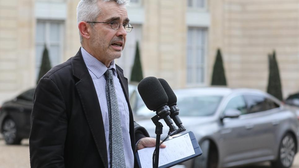 Yves Veyrier, secrétaire général du syndicat Force Ouvrière, répond aux questions des journalistes devant le Palais de l'Elysée en décembre 2018