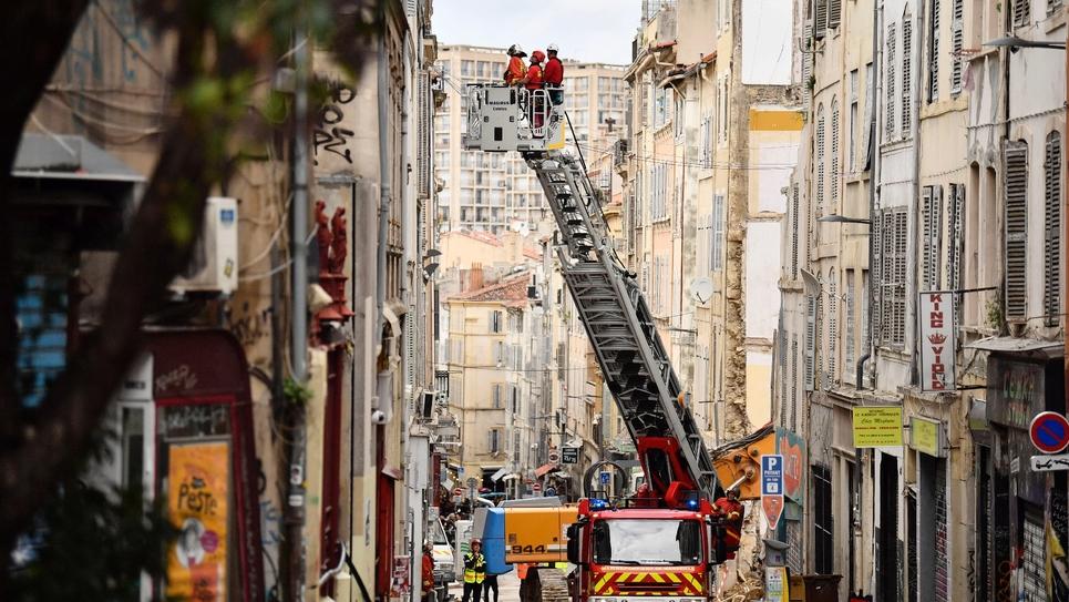 Inspection des immeubles proches des deux qui se sont effondrés rue d'Aubagne à Marseille, le 10 novembre 2018