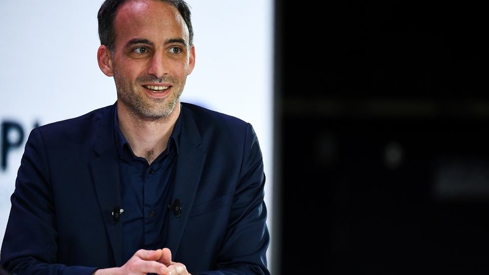 Raphaël Glucksmann, tête de liste PS-Place publique pour les européennes, lors d'un débat organisé par à la Mutualité française à Paris, le 11 avril 2019