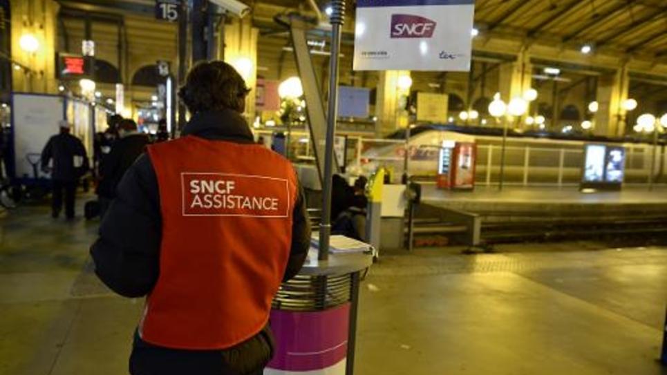 """L'affaire de trains régionaux trop larges connaît un développement en Ile-de-France, l'UMP accusant le Syndicat des transports d'Ile-France (Stif) de """"défaillance"""""""