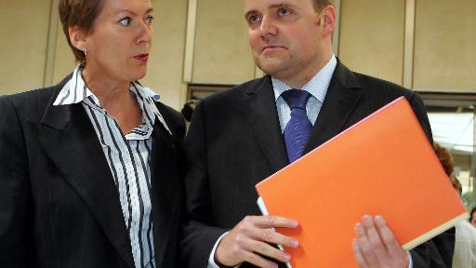 Bastien Millot, ex-dirigeant de Bygmalion, et son avocate Me Florence Rault le 16 septembre 2004 au palais de justice de Beauvais