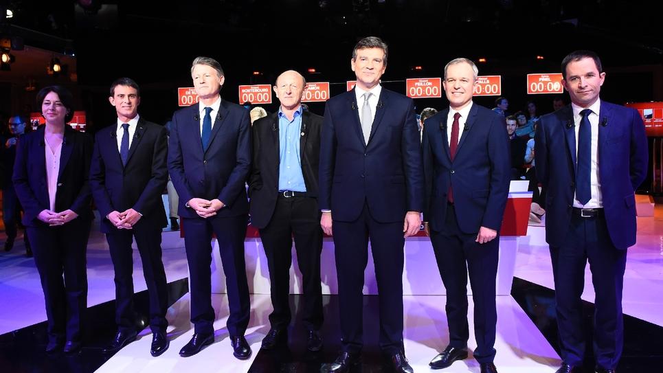 Sylvia Pinel, Manuel Valls, Vincent Peillon, Jean-Luc Bennahmias, Arnaud Montebourg, Francois de Rugy, Benoit Hamon, avant leur débat télévisé le 15 janvier 2017
