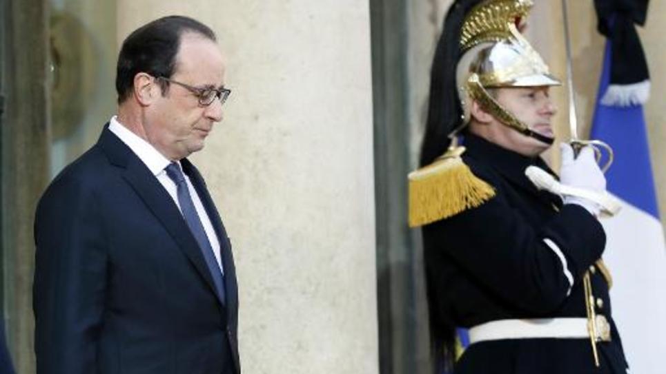 Le président François Hollande le 8 janvier 2015 sur le perron de l'Elysée à Paris