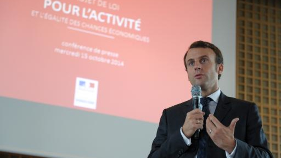 Le ministre français de l'Economie Emmanuel Macron présente les grandes lignes de son projet de loi pour l'activité, le 15 octobre 2014 au ministère, à Paris