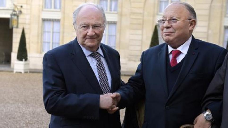 Le président du Crif Roger Cukierman (g) et le président du Conseil français du culte musulman (CFCM), Dalil Boubakeur à l'Elysée le 24 février 2015
