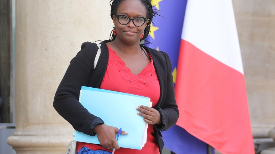 La porte-parole du gouvernement Sibeth Ndiaye à la sortie de l'Elysée le 2 octobre 2019