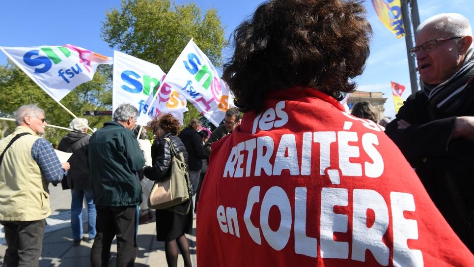 Une retraitée manifeste pour la revalorisation des pensions, le 11 avril 2019 à Montpellier.
