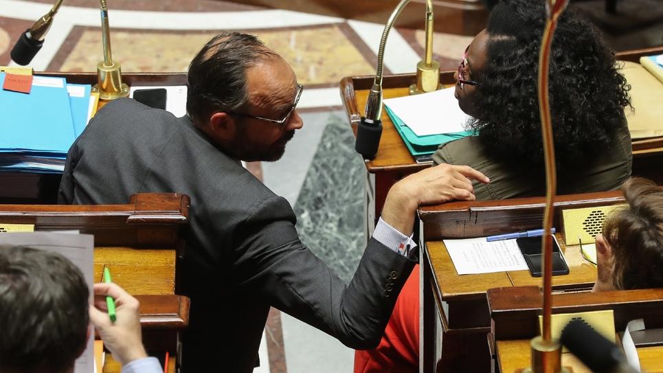 Le Premier ministre Edouard Philippe (g), le 5 juin 2019 à l'Assemblée nationale à Paris