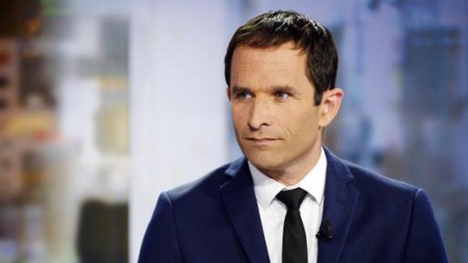 Benoît Hamon, alors ministre de l'Education, photographié avant une intervention sur France 2 à Paris le 25 août 2015