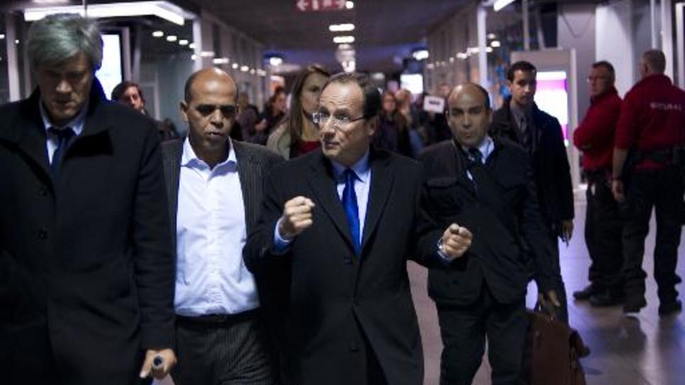 Kader Arif et et François Hollande le 30 novembre 2011 à Bruxelles