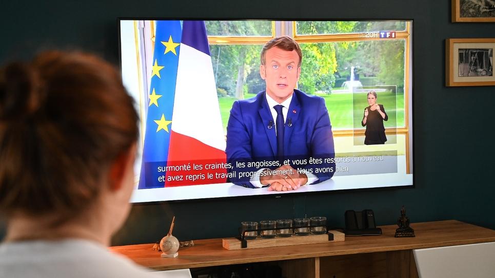 L'allocution d'Emmanuel Macron regardée le 14 juin 2020 par une famille lilloise