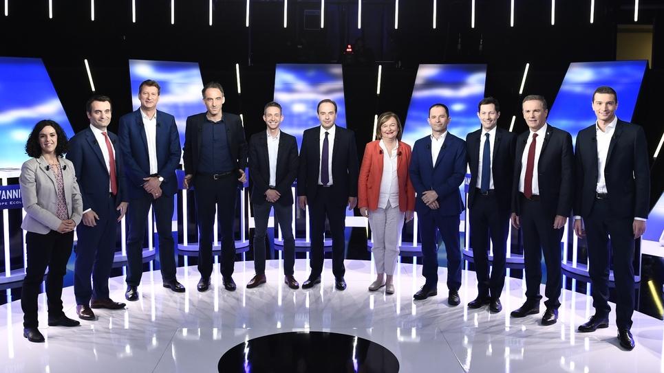 Principales têtes de listes aux européennes, avant leur débat sur BFMTV le 23 mai 2019 à La Plaine-Saint-Denis (de g à d): Manon Aubry (LFI), Florian Philippot (Les Patriotes), Yannick Jadot (EELV) Raphaël Glucksmann (PS/PP), Ian Brossat (PCF), Jean