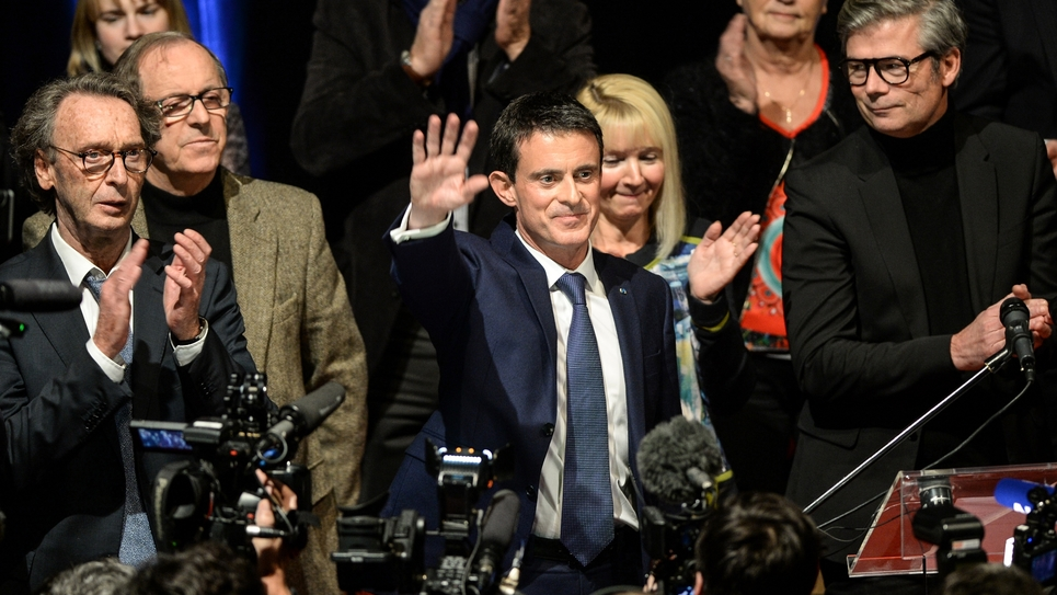 Manuel Valls en campagne pour la primaire le 7 décembre 2016 à Audincourt dans l'est de la France