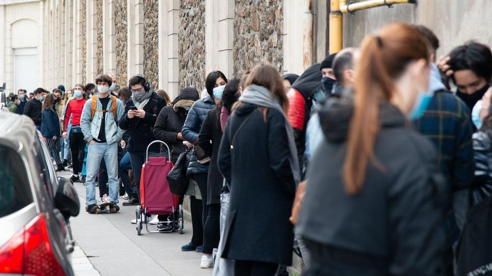 Paris : precarite etudiante