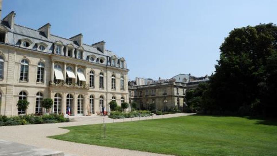 Vue des jardins de l'Elysée, le 1er août 2014 à Paris