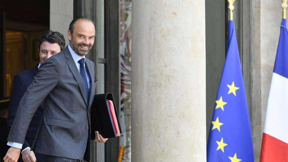 Le Premier ministre Edouard Philippe, sortant du Conseil des ministres à l'Elysée à Paris le 16 mai 2018