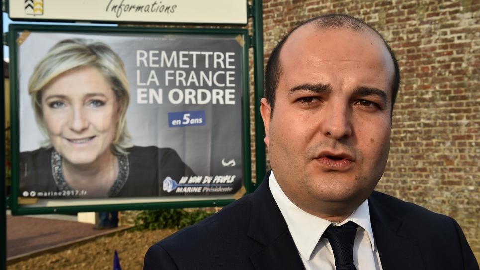 Le sénateur FN, maire de Fréjus et directeur de campagne de Marine Le Pen, David Rachline, le 3 avril 2017 à La Bazoche-Gouet