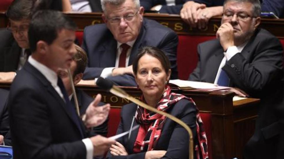 Le Premier ministre Manuel Valls et la ministre de l'Ecologie Ségolène Royal le 14 octobre 2014 à l'Assemblée nationale à Paris