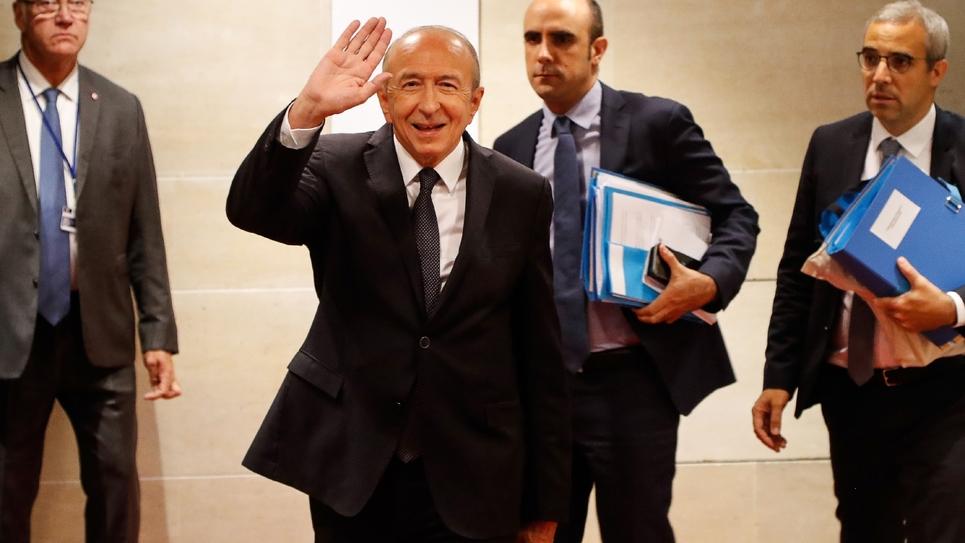 Le ministre de l'Intérieur français Gérard Collomb arrive à son audition devant la commission d'enquête de l'Assemblée nationale sur l'affaire Benalla, le 23 juillet 2018