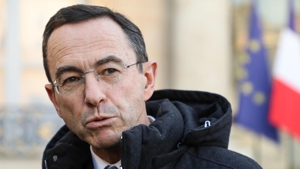 """Le président du groupe LR au Sénat Bruno Retailleau veut l'instauration d'un """"droit aux transports publics garanti"""" en cas de grève"""