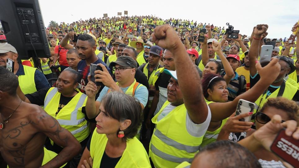 Manifestation de gilets jaunes, au Port (Ile de la Réunion), le 24 novembre 2018