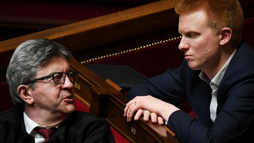 Les députés La France insoumise (LFI) Jean-Luc Mélenchon (g) et Adrien Quatennens, le 2 avril 2019 à l'Assemblée nationale à Paris