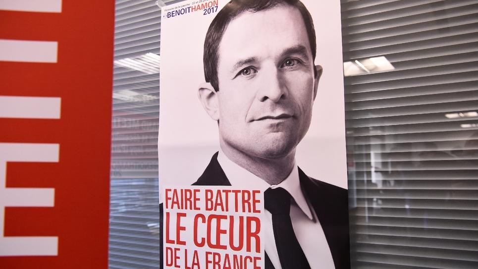 Une affiche de campagne de Benoît Hamon au QG du candicat, le 9 décembre 2016 à Paris