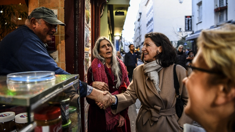 Déambulation d'Agnès Buzyn dans les rues du 5ème arrondissement de Paris, le 18 février 2020