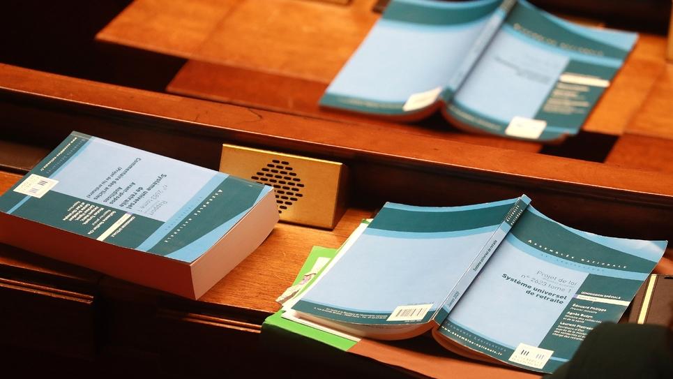 Le texte du projet de loi sur la réforme des retraites durant le débat à l'Assemblée nationale, le 24 février 2020 à Paris