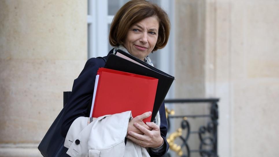 La ministre des Armées Florence Parly quitte l'Elysée à l'issue du Conseil des ministres, le 30 octobre 2018 à Paris