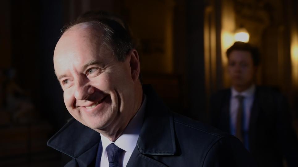 L'ancien ministre de la Justice Jean-Jacques Urvoas à son arrivée à son procès pour violation du secret devant la Cour de Justice de la République, le 24 septembre 2019 à Paris