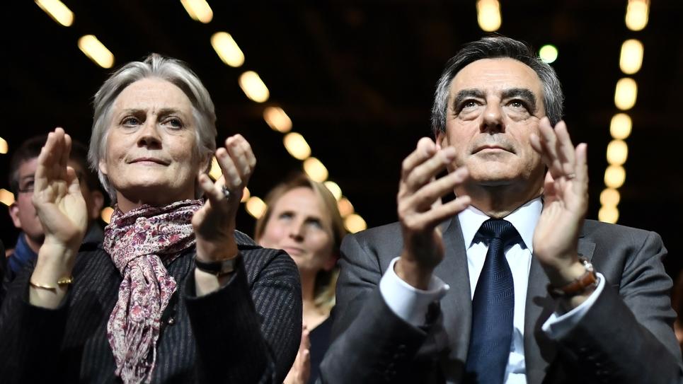 Francois Fillon et sa femme Penelope lors d'un meeting en novembre 2016 à Paris