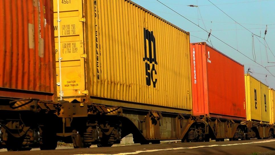Un train de marchandises