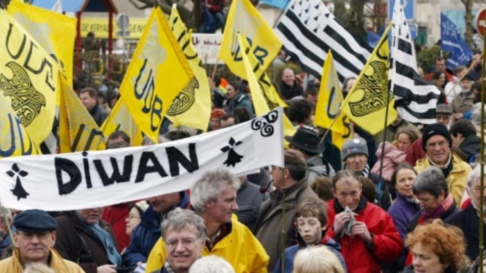 manifestation à Lorient en 2007 pour la reconnaissance de l'occitan