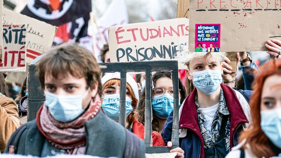 Demonstration-Education-Students-Lyon