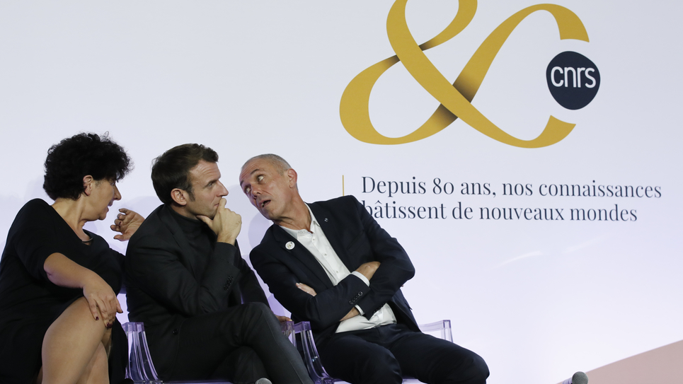 Frédérique Vidal, Emmanuel Macron et Antoine Petit, PDG du CNRS.