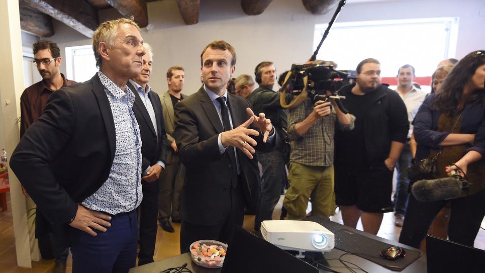 Le député de l'Hérault Patrick Vignal, avec Emmanuel Macron, en mai 2016.