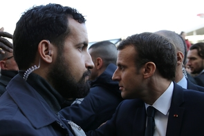 Alexandre Benalla et Emmanuel Macron au Salon de l'Agriculture à Paris, le 24 février 2018