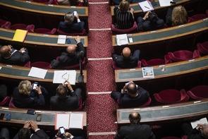 Le Sénat, à majorité de droite, a approuvé jeudi le projet de loi de règlement du budget 2016, le dernier de l'ancienne majorité avec un déficit public de 3,4% du PIB