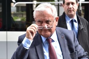 Jean-Pierre Raffarin, ex-Premier ministre LR, à Paris le 2 mai 2017
