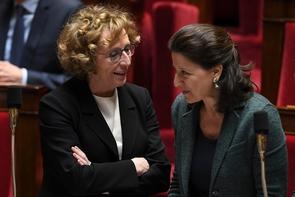 Muriel Pénicaud  et Agnès Buzyn (d) à l'Assemblée nationale en mars 2018.