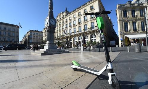 Une trottinette électrique à Bordeaux