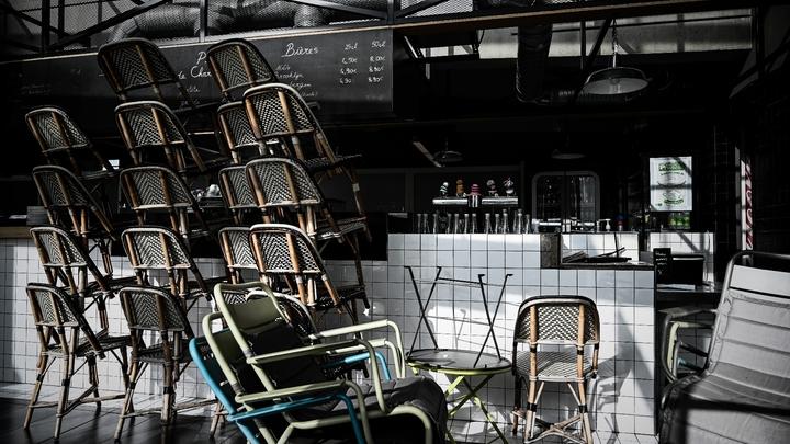 Un restaurant fermé à Paris, comme tous les restaurants, bars et café en France, le 20 avril 2020