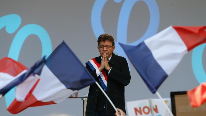 Le leader de la France Insoumise, Jean-Luc Mélenchon, lors d'une manifestation contre les réformes du gouvernement sur le Code du Travail, le 23 septembre 2017 à Paris