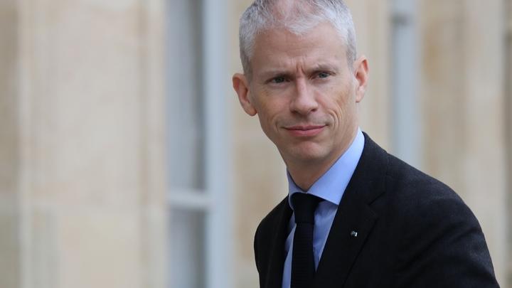 Le ministre de la Culture  Franck Riester sur le perron de l'Elysée le 15 janvier  2020
