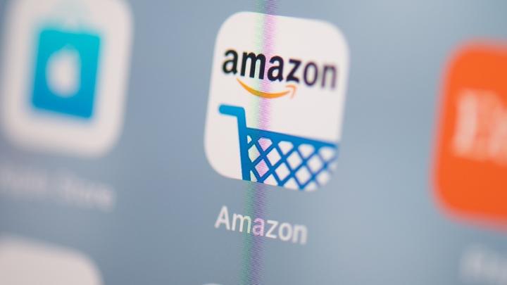 """Amazon a informé les vendeurs présents sur sa plate-forme de mise en relation avec les consommateurs (sa """"marketplace"""") que les commissions prélevées sur les ventes augmenteraient de 3%"""