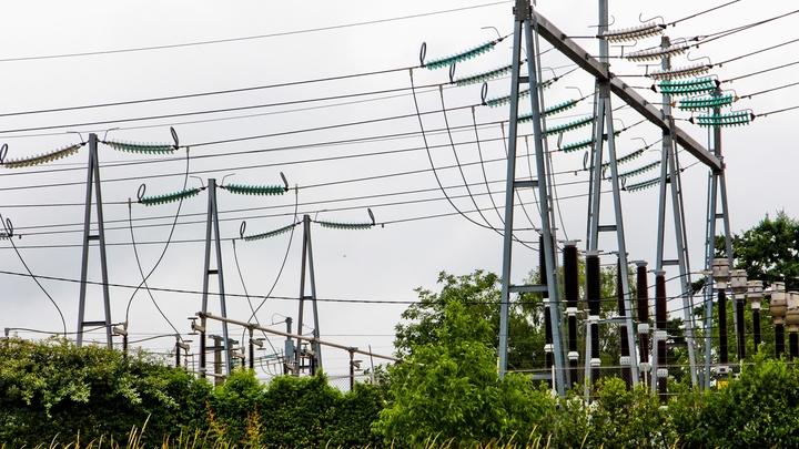 Un Poste a Haute Tension en Electricite RTE - Filiale a 100 % d EDF France 18 Juin